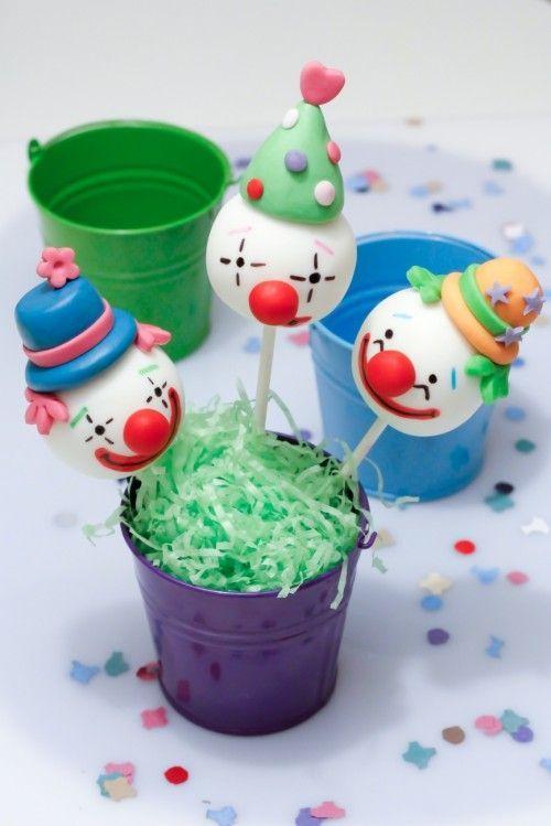 Clowns #cake pops