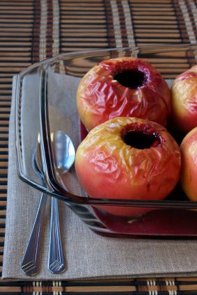 Baked Apples with Cashew Cream Sauce on Green BEAN Delivery's Healthy ...