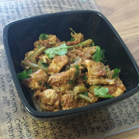Homemade low carb and low fat chicken curry made by me. Eat clean