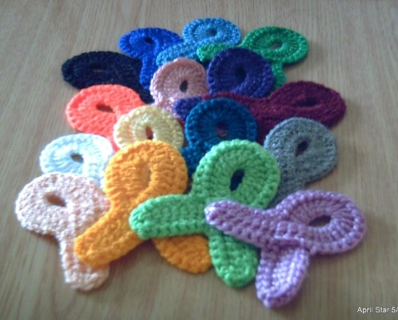 Crochet Hair Ribbon Pattern : Ribbons ~ free pattern Cancer items Pinterest