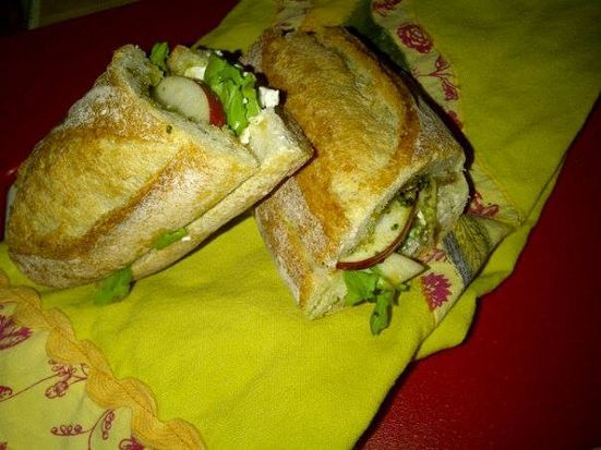 Sliced Apple and Goat Cheese Sandwich with Pesto and Honey | Recipe