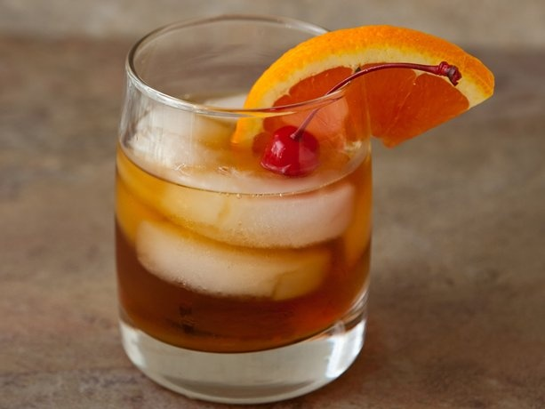 Old Fashioned Cocktail Recipe | cocktails and dreams | Pinterest