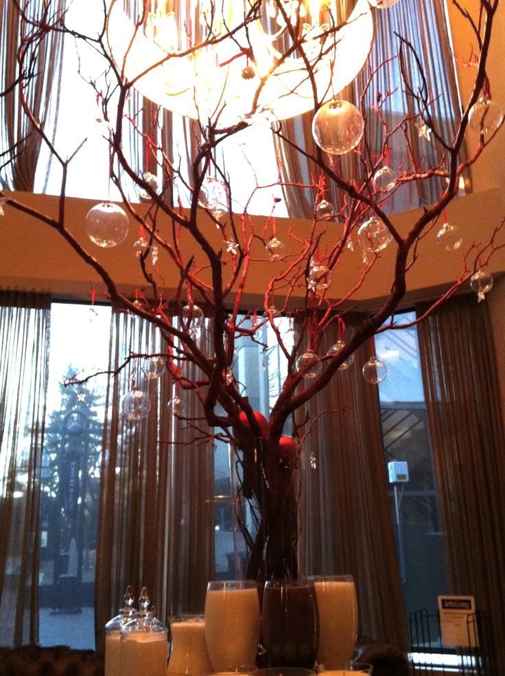 Spalon : Beautiful modern Christmas tree at Spalon Montage.