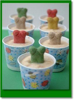 Peanut Butter FrozenTreats for dogs such a cute idea!