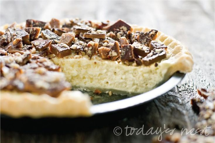 Pecan Toffee Cheesecake Pie | Yummy! | Pinterest