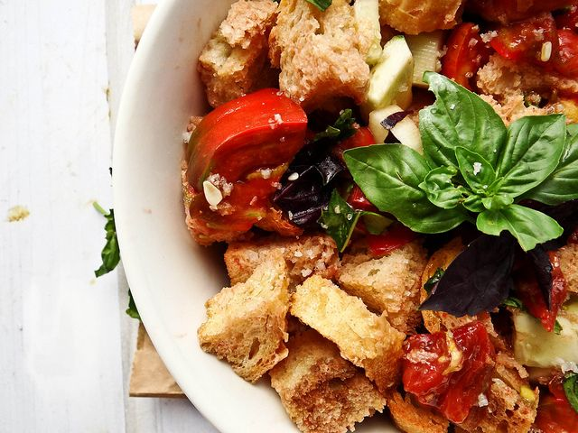 Panzanella Salad - bread, tomatoes, cucumbers, and balsamic ...