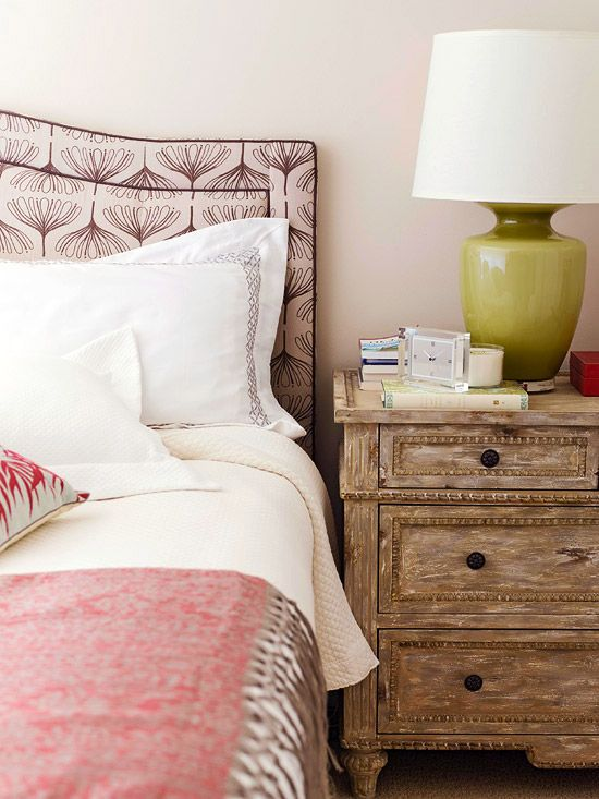 Love the pattern on this pretty pink #headboard.