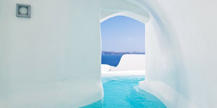 Canaves Oia Hotel: Honeymoon Suites are built for romance — case in point: the outdoor Jacuzzi.