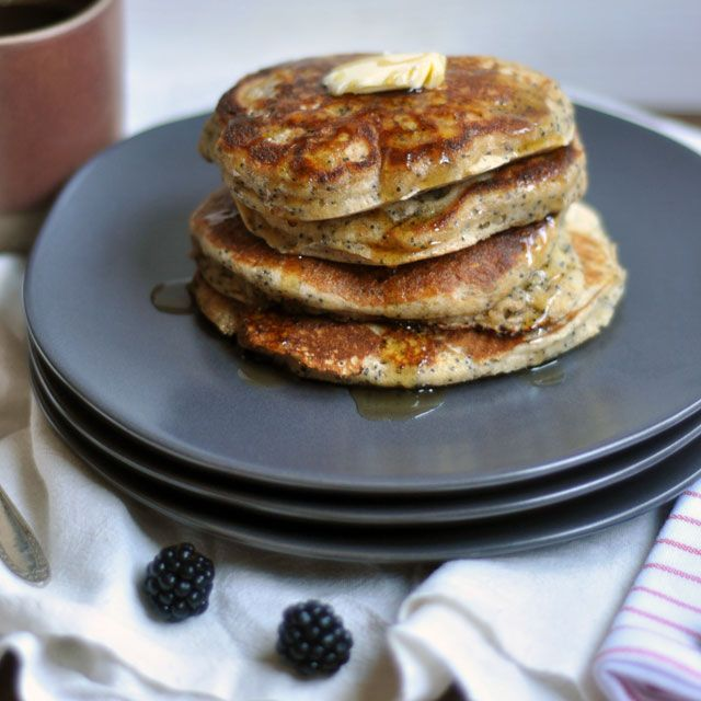 Whole Wheat Almond-Poppy Seed Pancakes || www.turntablekitchen.com