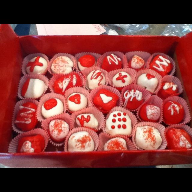 Valentines day cake balls :) | Valentines Day | Pinterest