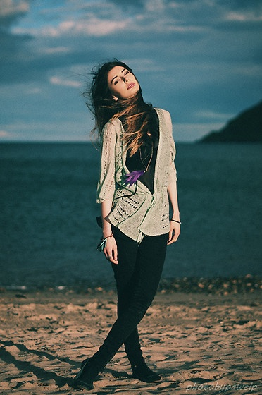 By the sea (by Agnes Es) http://lookbook.nu/look/3912382-By-the-sea