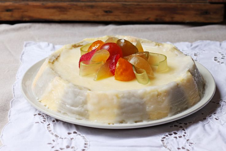 Cassata Siciliana - a ricotta and chocolate-filled cake, with layers ...