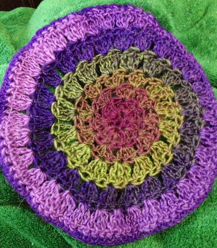 Learning to crochet in the round