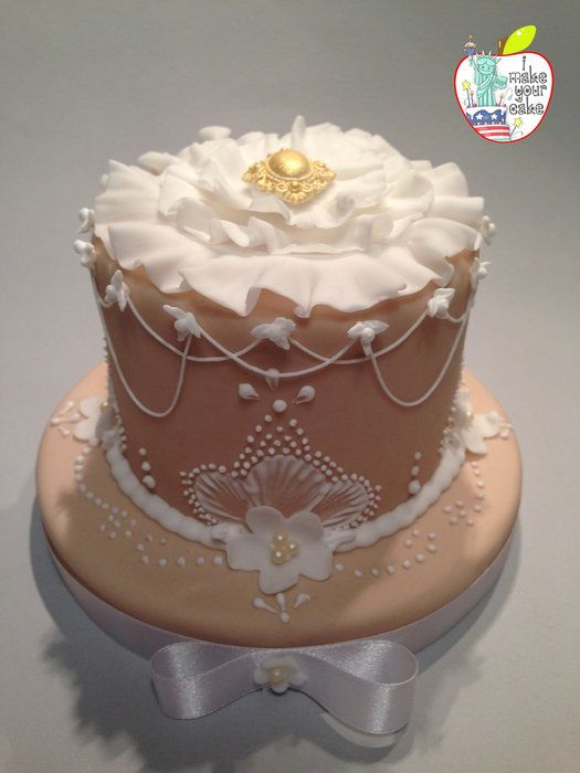 Cake Design With Icing : Royal Icing SMALL CAKE DESIGN Pinterest