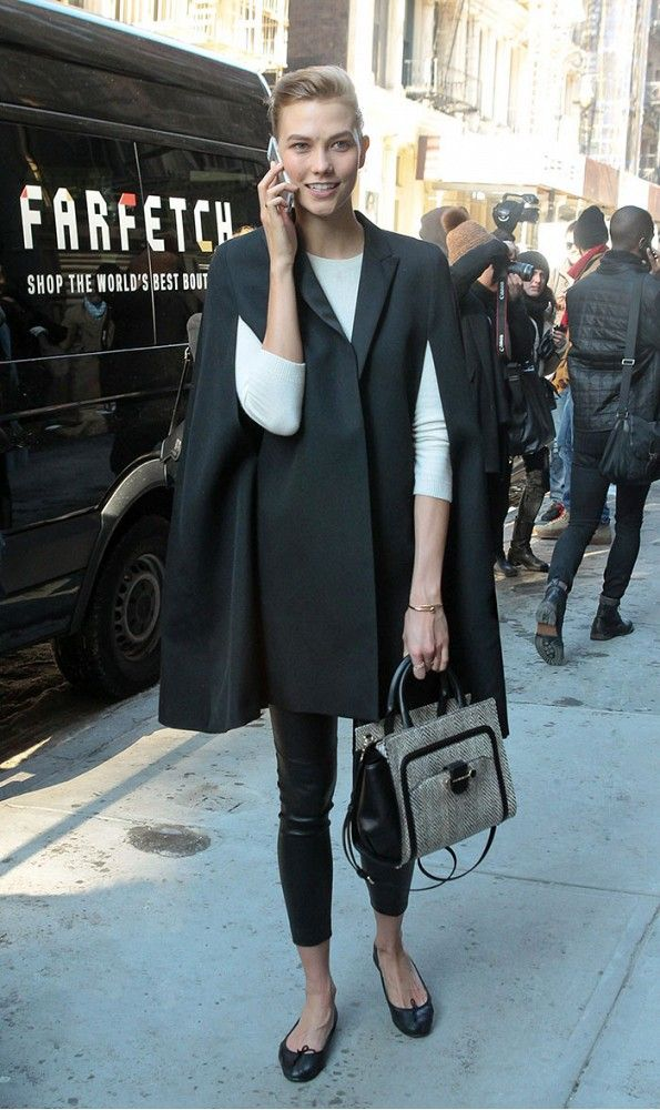 Karlie Kloss's cape jacket is polished but still youthful. // #StreetStyle