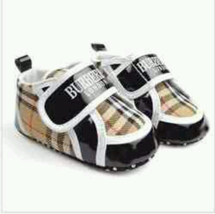 Too Cute Burberry Baby Shoes