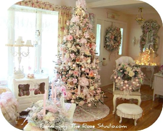 Shabby chic christmas livingroom business pinterest for Shabby chic christmas