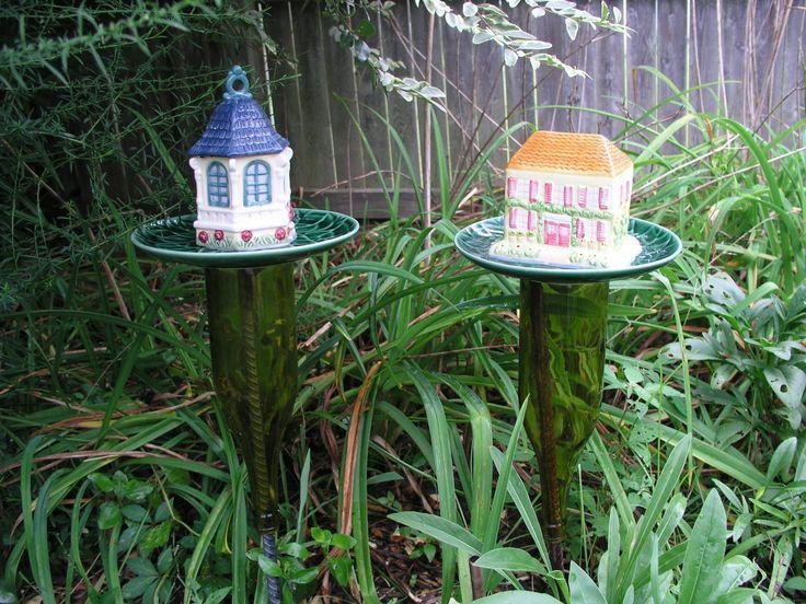 Wine bottle yard art decor garden stake totem upcycled for Upcycled yard decor