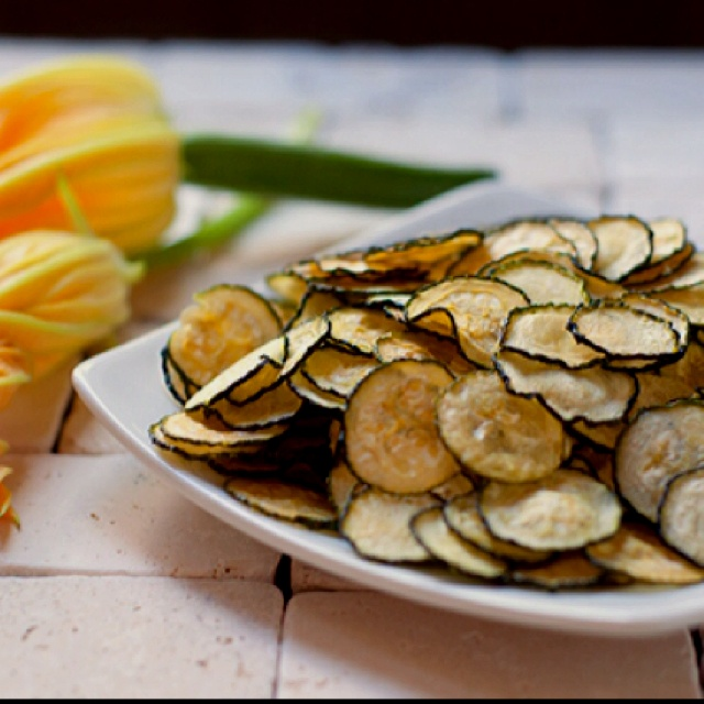 Baked zucchini chips:) | Healthy Foods | Pinterest
