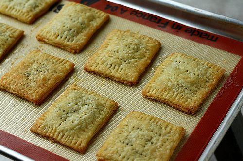 Homemade Pop Tarts (Brown sugar cinnamon! I must make these ASAP. I ...