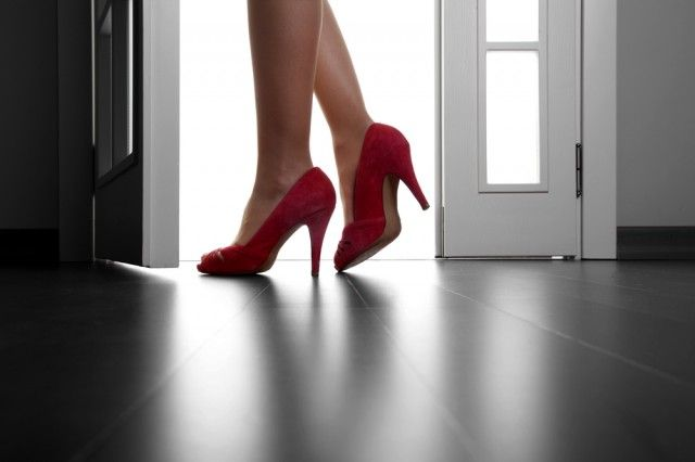 7 easy steps to having a successful Boudoir Session. www.lightroompresets.com