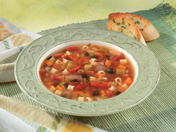 Bean, Pasta & Roasted Pepper Soup | KitchenDaily.com