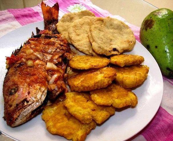 Chillo frito con tostones y dumplines!! | Comida latina | Pinterest