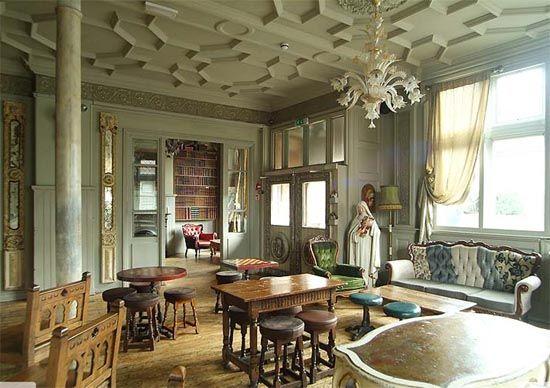 Ceiling kensal green pub dream home pinterest for Georgian architecture interior design
