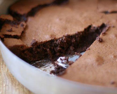 Flourless Chocolate Hazelnut Cake   If only I cooked....   Pinterest