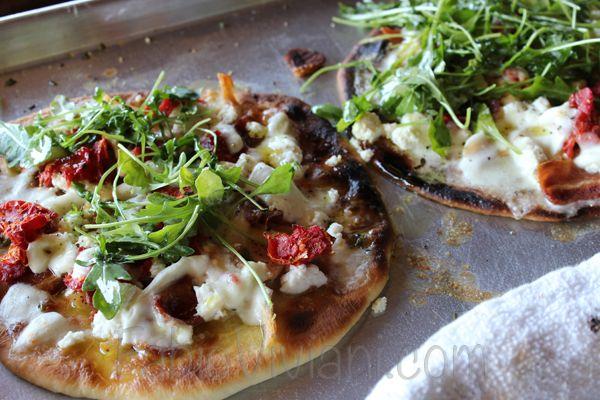 Chicken, Arugula And Parmesan Pizza, On Sun Dried Tomato Pesto Recipes ...