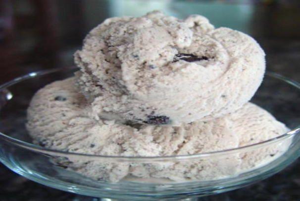 Oreo Mint Ice Cream. Photo by Bev