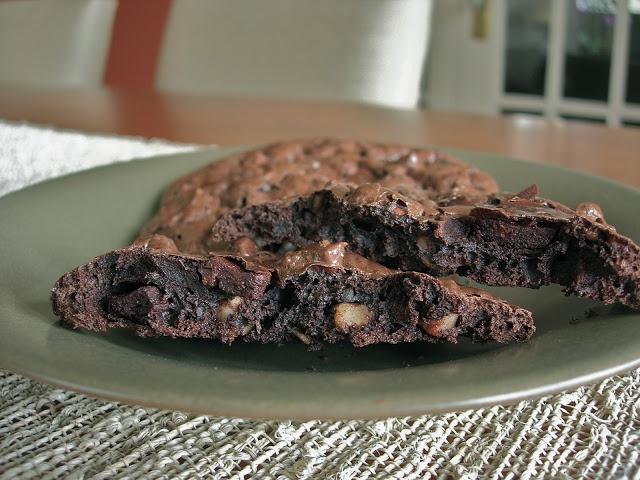 My Little Bungalow: Flourless Chocolate-Pecan Cookies