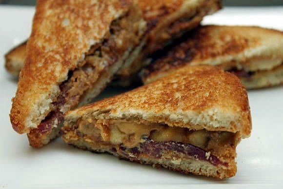 The Elvis Sandwich - Peanut Butter, Bacon and Banana sandwich fried in ...