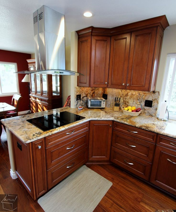 Check Out This Beautiful Modern Kitchen With Custom Cabinets In