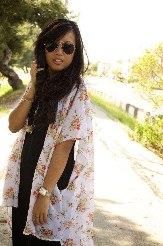 Blogger Alex in a Deb Shops Kimono