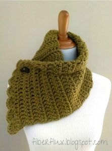 Free Crochet Pattern : Faux- Button Cowl | Not Another