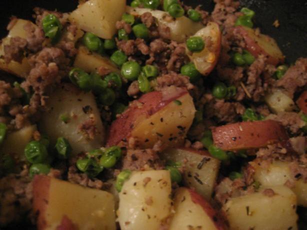Easy Hamburger Potato Skillet of Yumminess. Photo by Kyene