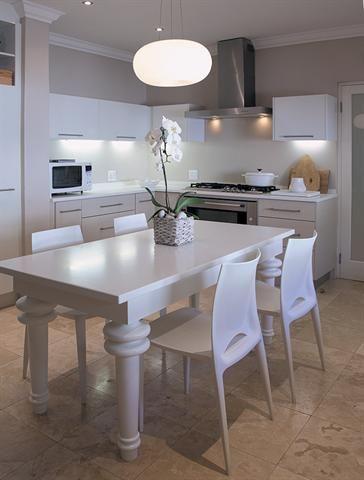 White kitchen | wit kombuis
