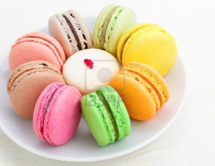 Colorful french macaroons