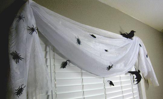 DIY Halloween Window Decorations