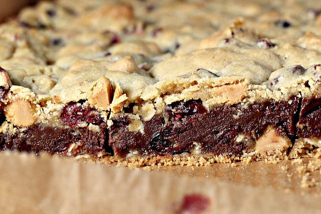 Gooey Chocolate Chip Sandwich Bars | Recipes to Try | Pinterest
