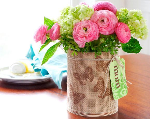 Stamped Burlap Vase with flowers made from oatmeal cans - such a pretty project that even toddlers can make for mom!