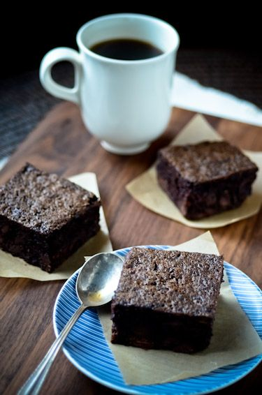 Blissful Eats: chocolate chip zucchini brownies | Scaling Back