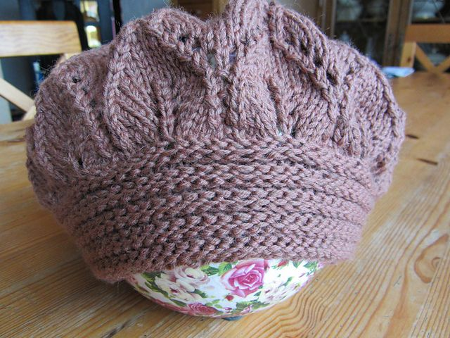 Free Knitted Flowers Patterns : Free Pattern: Bibilous Elfunny Beret. FREE Knitting Patterns (The