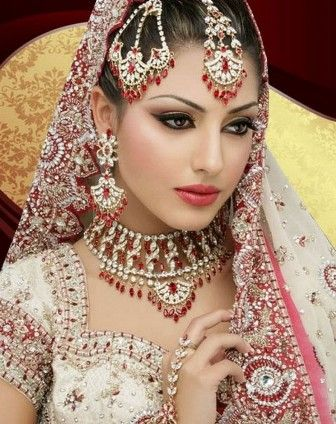 Apply Bridal Makeup Step Step : How to apply bridal makeup step by step Fashion and ...