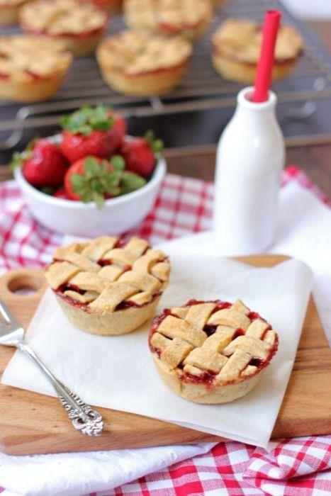 Sweet September Strawberry Pies | wedding | Pinterest