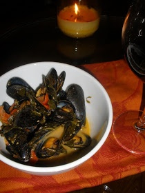 Spanish-style Mussels with Spinach 2 lbs Mussels 2 jalapeno peppers 1 ...