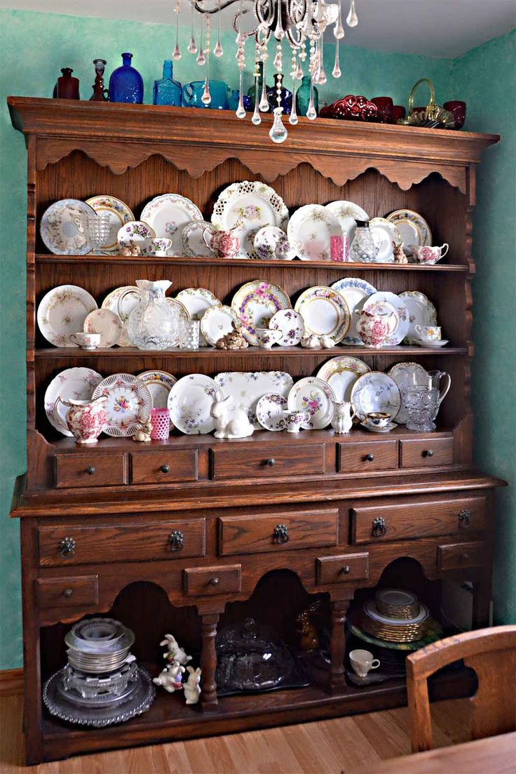 Welsh Dresser Hutch Spring china plate display