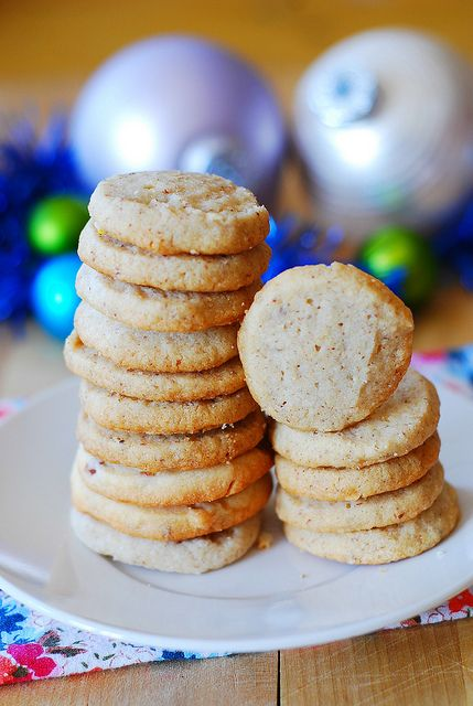 Pecan shortbread cookies - Christmas cookies by JuliasAlbum.com, via ...