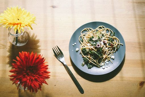 ... Whole Wheat Spaghetti with Kale, Kalamata Olives, Garlic Chips & Feta